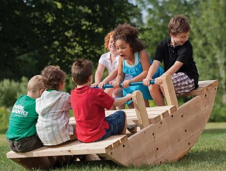 Top reasons your child needs to play outdoors