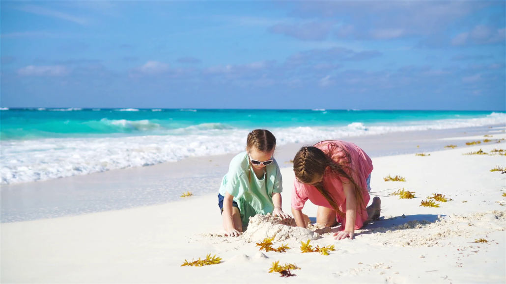 Tips for an enjoyable beach trip with the kids