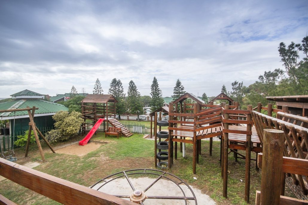 Family accommodation Pine Lodge Resort - Kids Party Venue - Port Elizabeth